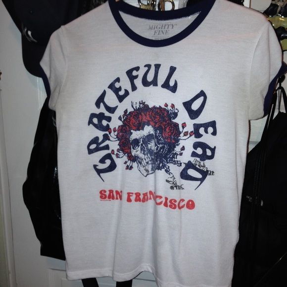 Grateful dead shirt Great condition Tops Tees - Short Sleeve