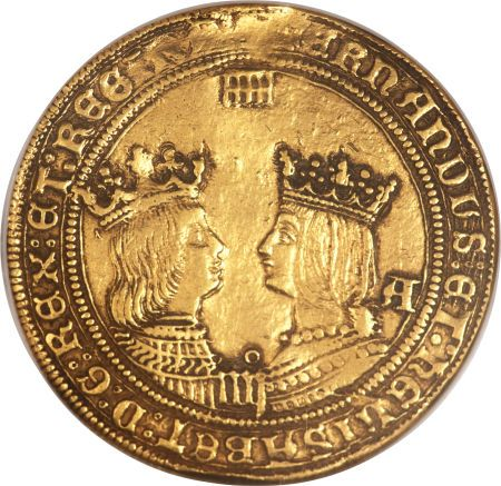 Fernando V & Isabella gold 4 Excelentes ND Segovia (1476-1515), a remarkable example of this very rare type with well-struck facing portraits of the King and Queen and exceptional eye appeal. The surfaces are lightly toned and quite attractive. There is a small tooling mark at 12 o'clock on the obverse of this coin.