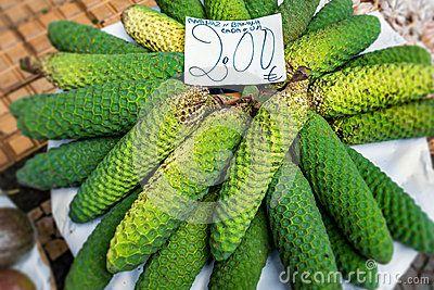Monstera fruit market