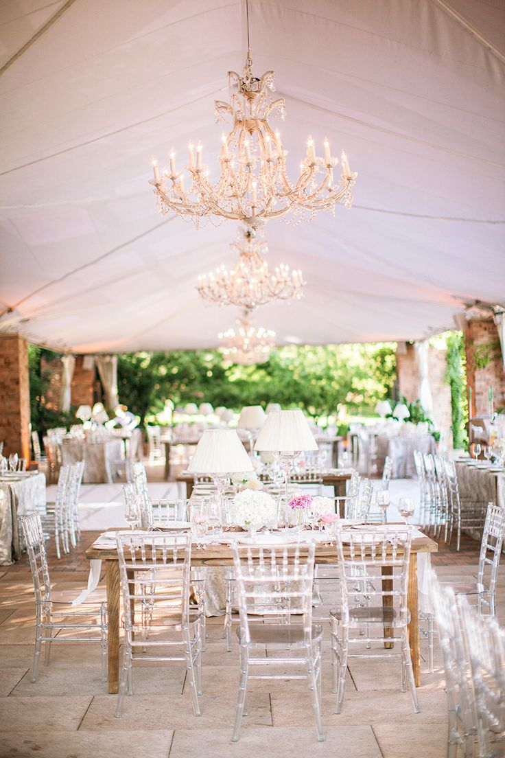 Oh-So-Elegant Wedding Reception - See more on #SMP here: http://www.StyleMePretty.com/2014/04/17/black-tie-botanical-garden-wedding/ Photography: ThreeNailsPhotography.com | Event Planner: ClementineCustomEvents.com | Venue: Chicago Botanical Gardens chicagobotanic.org