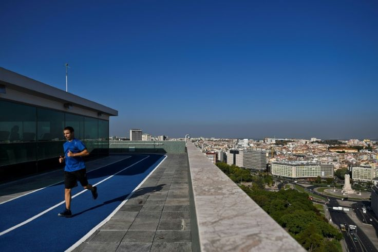 From yoga to movies: Lisbon embraces rooftop living | The Citizen