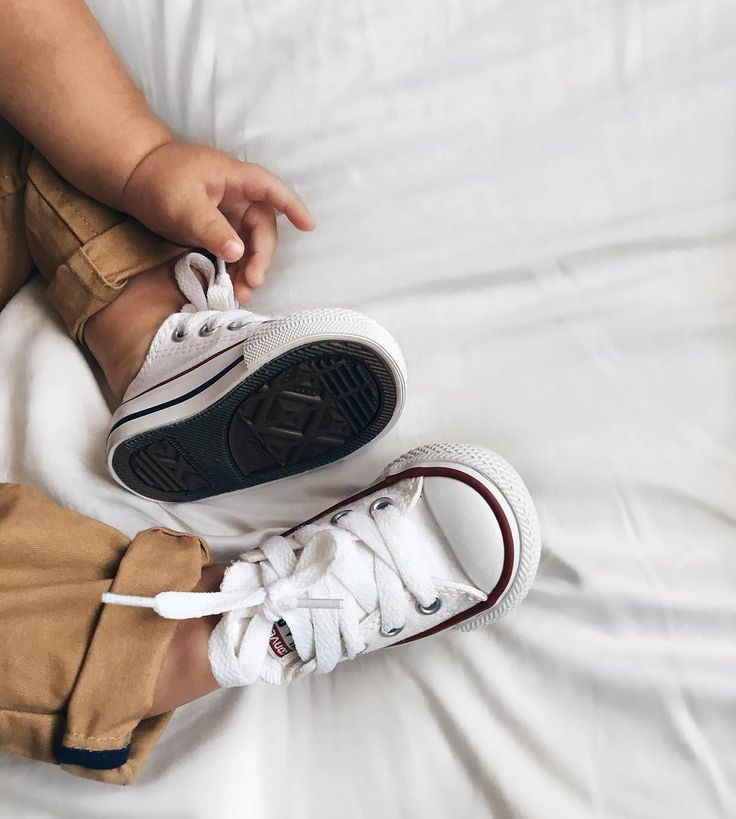 "343 Likes, 6 Comments - K R I S T E N (@kristenn.gonzalez) on Instagram: ""That cute pair of converse only stayed on his feet for maybe 10 minutes before he pulled them off ♥️"""