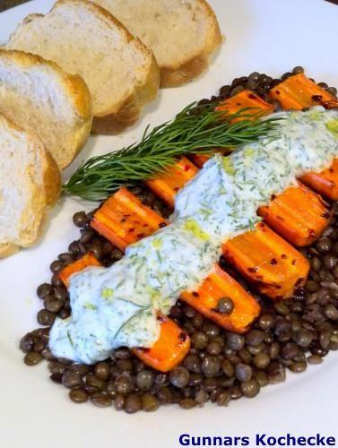 Geröstete Möhren auf grünen Le-Puy-Linsen - #Rezept