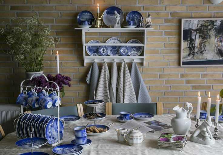 Coffee Table with Blue and white plate and cups from Desiree