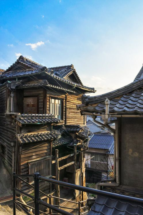 japaneseaesthetics:  Old house, Onomichi, Hiroshima, Japan. Photography by Yasuhiro Sakuda on 500px
