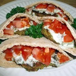 Falafel met yoghurt komkommersaus @ allrecipes.nl