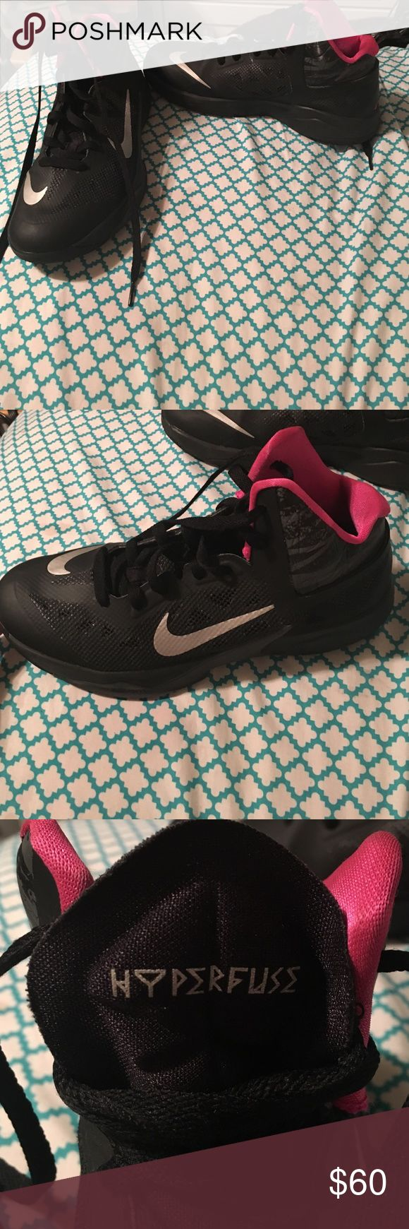 Basketball shoes Black and pink basketball shoes only worn twice, practically new Shoes Athletic Shoes