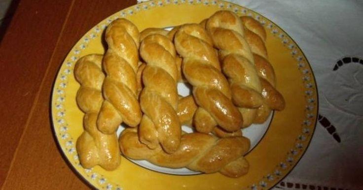 Εξαιρετική συνταγή για Σμυρνέικα κουλουράκια. Αφράτα κουλουράκια Λίγα μυστικά ακόμα Ευχαριστούμε την pinalaki για τις φωτογραφίες βήμα βήμα.