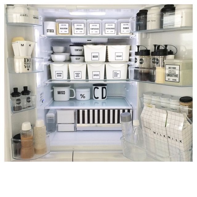 rie_dvlさんの、100均,白黒マニア,Instagramやってます,モノトーンインテリア,モノトーン,白黒,冷蔵庫,整理整頓,収納,シンプルライフ,キッチン,のお部屋写真