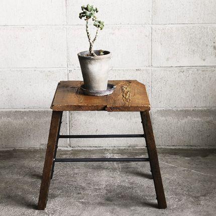 [HACHI] OWI STOOL - 【HACHI KAGU ONLINE SHOP】オリジナル家具・インテリア雑貨・革小物・観葉植物・ガーデン用品のオンラインショップ