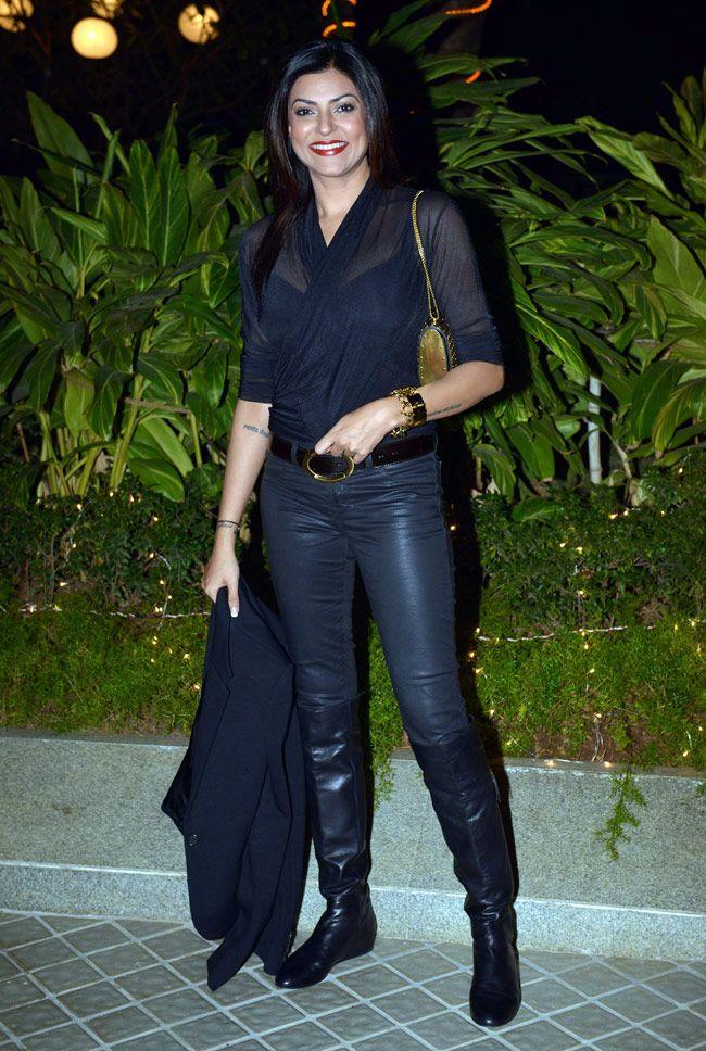 Sushmita Sen at Farah Khan's 50th birthday bash. #Bollywood #Fashion #Style #Beauty