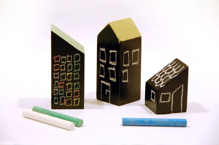 DIY chalkboard city houses for enhancing kids imagination, Silvan Hacks by Anna Karnov