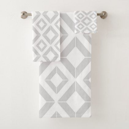Abstract Geometric Pattern Gray And White Bath Towel Set