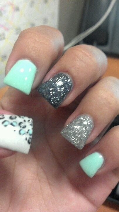 Cute Acrylic Nails | acrylic nails--minus the shape of them.