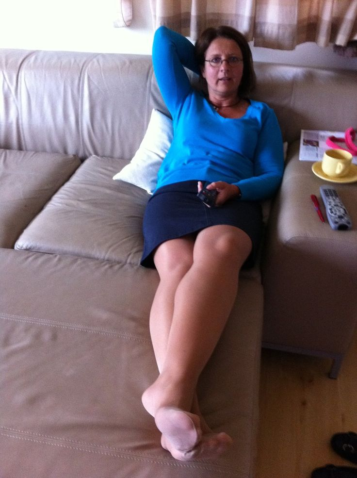 Hot Mature Lady Posting At Home In Tan Pantyhose Showing -6250