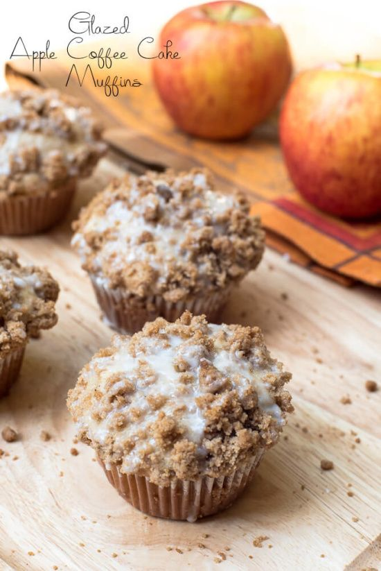 Welcome the fall season with these tasty, coffee cake style muffins! ~ http://www.fromvalerieskitchen.com