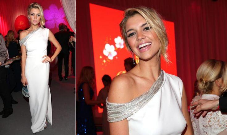 Kelly Rohrbach, la novia de Leonardo DiCaprio, se viste de blanco