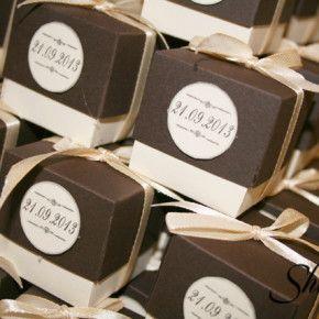 Возможные подарки для гостей http://www.bestwedding24.ru/soveti/item/podarki-dlya-gostej.html