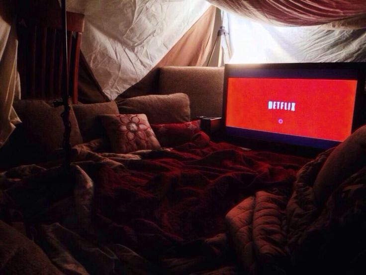 Realtionship Goals Build A Fort Together And Watch Netflix