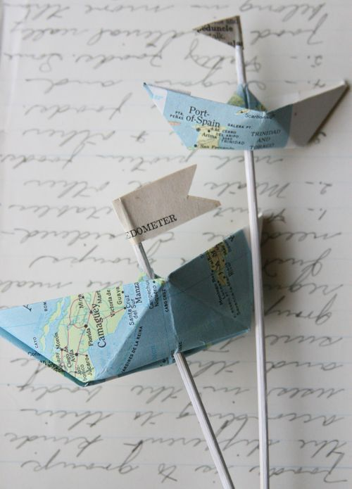 Erg leuk. Bootjes van landkaarten.  Mooi om op een kaart te plakken.  Misschien een idee voor een vakantie kaartje