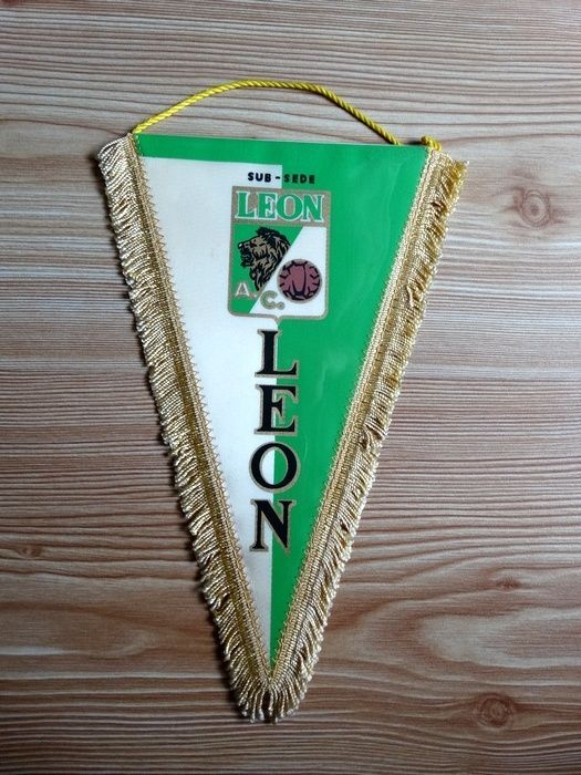 club leon mexico pennant #vintage 70/80's from $14.99
