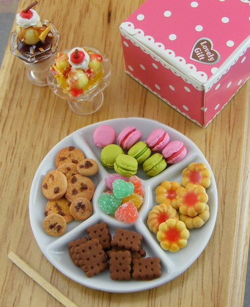 Cookie-and-Candy-Platter