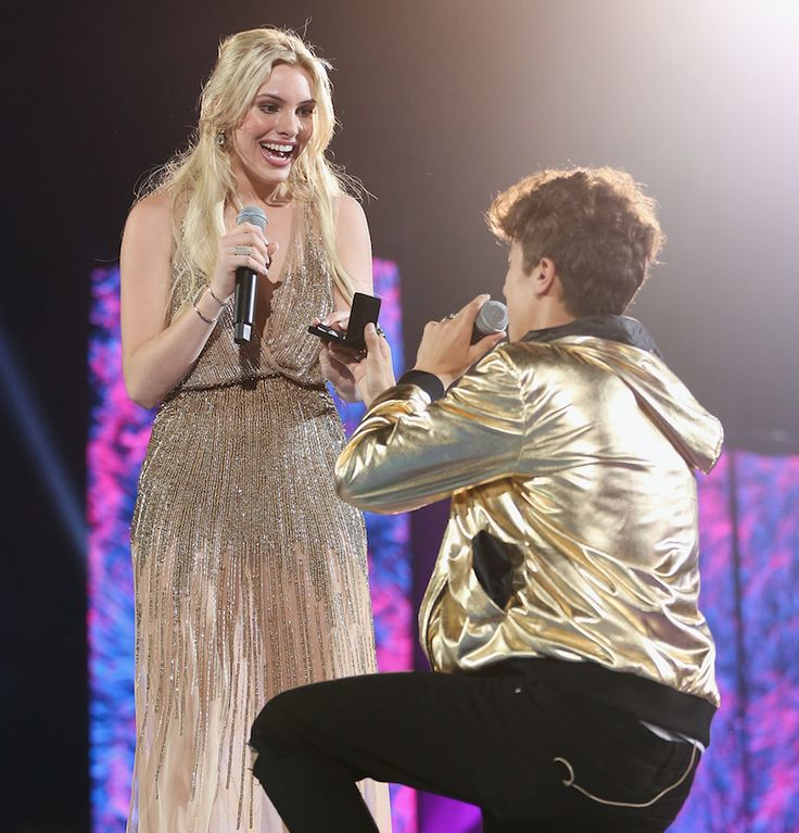 Lele Pons co-hosted the 2017 MTV MIAW Awards with rumored boyfriend Juanpa Zurita and they kissed on stage in front of a live audience.