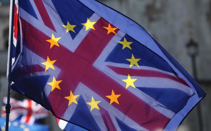 "Brexit at risk as Jean-Claude Juncker warns negotiations can only begin when Britain is ready Sitemize ""Brexit at risk as Jean-Claude Juncker warns negotiations can only begin when Britain is ready"" konusu eklenmiştir. Detaylar için ziyaret ediniz. http://xjs.us/brexit-at-risk-as-jean-claude-juncker-warns-negotiations-can-only-begin-when-britain-is-ready.html"