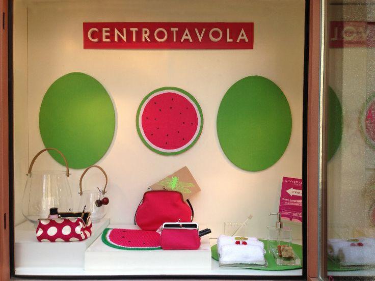 Anguria, menta e gelsomino: pre-collezione estiva 2014 #Centrotavola #Milano. Vetrina per la collezione anguria, menta e gelsomino. Watermelon collection shop window