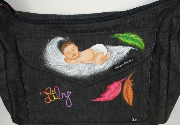 """D'après un patron d'Isabelle Desrochers : """"Poids Plume"""", peinture sur sac en jean"""