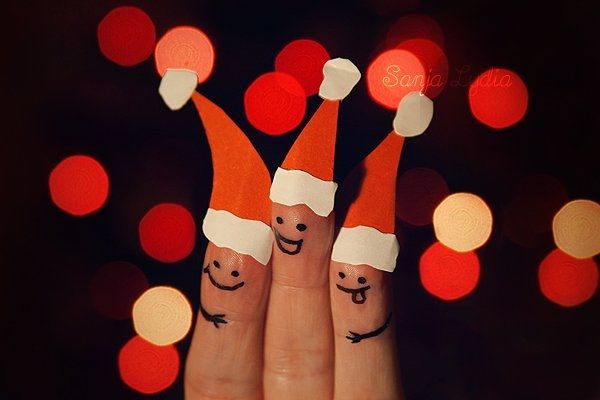 Santa fingers: Christmas Parties, Funky Fingers, Fingers People, Fingers Faces, Funny Fingers, Fingers Fun, Fingers Art, Merry Christmas, Fingers Puppets