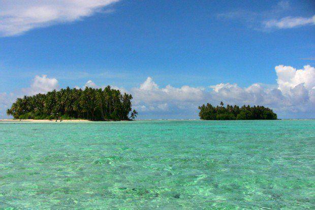 Ostrovy Carteret, severne od Papuy-Novej Guinei, sú nízko položené. Zvyšovanie hladiny morí, erózia, búrky a morské kontaminácie pôdy.. ostrovy sa stali pre ľudí neobývateľné.
