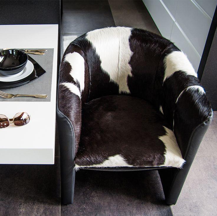 #Hoker #Premium Ponadczasowa forma fotela. Połączenie #klasycznego kształtu z naturalnymi skórami licowymi oraz krótkim #włosem. Wygląda doskonale z każdej strony, dzięki dbałości o #detale i jego dokładnym #wykończeniu. Pasuje do surowych i ascetycznych #wnętrz, które wymagają kontrastujących z otoczeniem #dodatków.