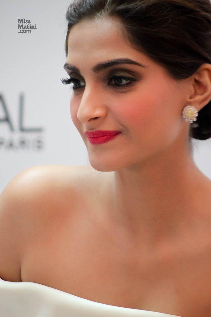 Get this matte look of Sonam Kapoor...