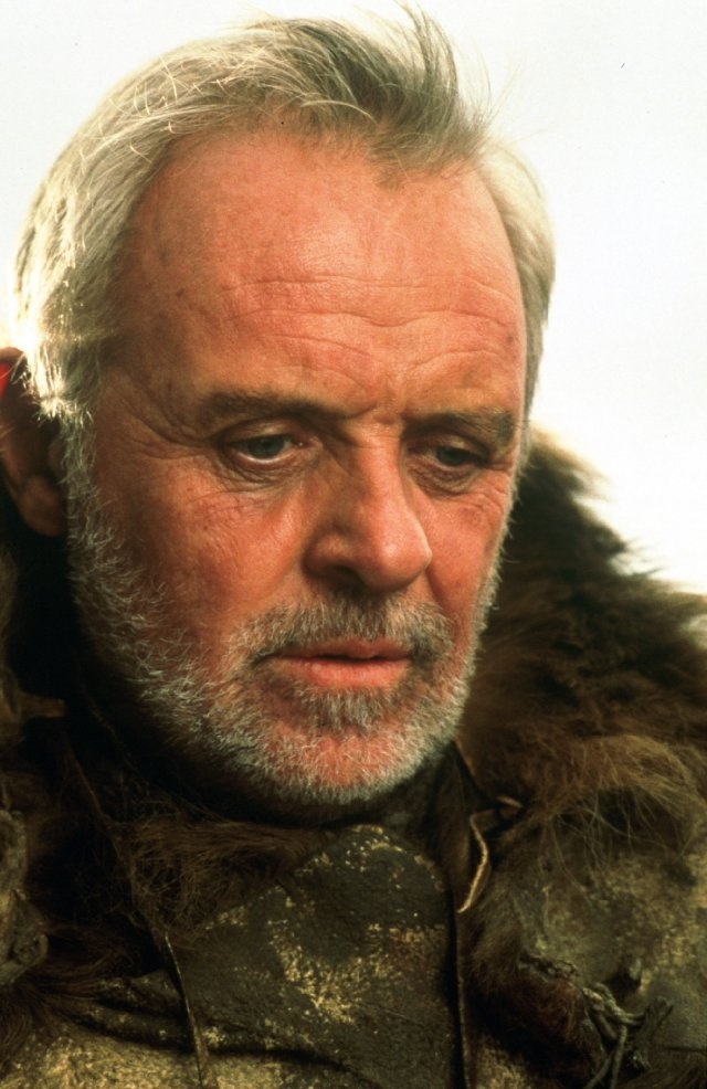 Anthony Hopkins in the Edge is so attractive.  Well Tony-Hop in anything is attractive...