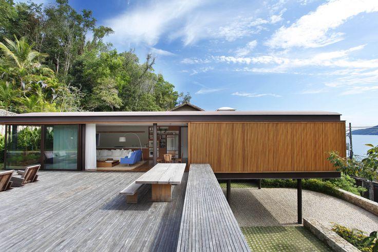 CAA House - Jacobsen Arquitetura  Photo: MCA Estúdio