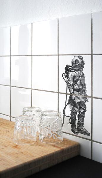 KLEINER TAUCHER > Fliesenaufkleber/Fliesentattoo  von BOUBOUKI individual.interior.items auf DaWanda.com
