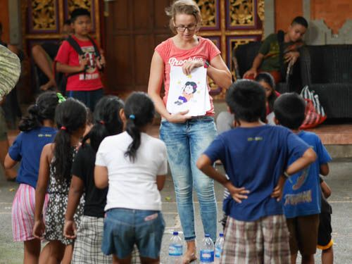 Workshop about the importance of drinking water.  #vpbali #volunteerabroad #kids #creativelearning #charity