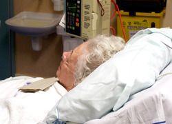 EUR onderzoekt manier van evalueren langdurige ouderenzorg. Studies in de zorg naar kosteneffectiviteit van zorgvormen zijn meestal gericht op de uitkomsten voor de gezondheid. Nieuwe zorgwijzen zoals de langdurige zorg voor ouderen hebben echter tot doel het welzijn te verbeteren. Dat vraagt om een andere vorm van evalueren, stelt promovendus Peter Makai van de Erasmus Universiteit Rotterdam.
