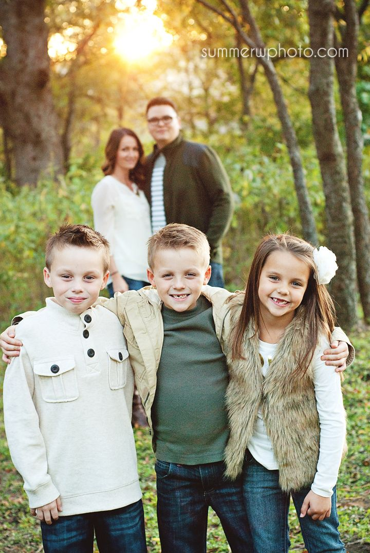 Using the sun in family portraits #kids #mom #dad { Dallas DFW Area Photography