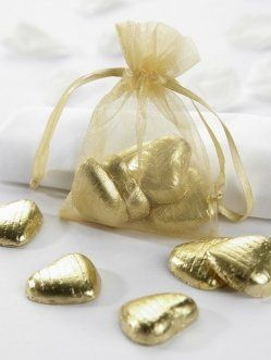 White and Gold Wedding Favors. Chocolate. Gold Organza Bags - The Last Detail #goldwedding #wedding
