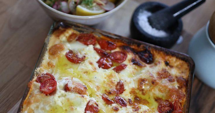 En enkel lasagne där du inte behöver koka något, utan den görs på smörgåspålägg, mascarpone- och parmesansås och färska lasagneplattor. Utgå från vad du redan har hemma i ditt kök!