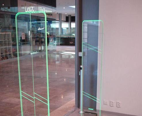 Twilight: Trendy design made from a high-quality, fully transparent Plexiglas™ antenna body. #Security #Antenna