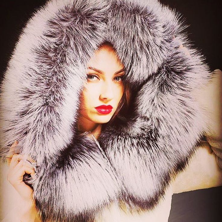 #furs #fur #furcoat #furjacket #luxury #pelzmode #mexa #furfashionguide #luxury #dollars  #furfetish #fluffy #furs #furparka #furglove #furfashion #winter #futra #fauxfur #furstyle #fashionchick #luxury #pellicceria #pelz #Меховые пальто #fourrure #fox  #fur