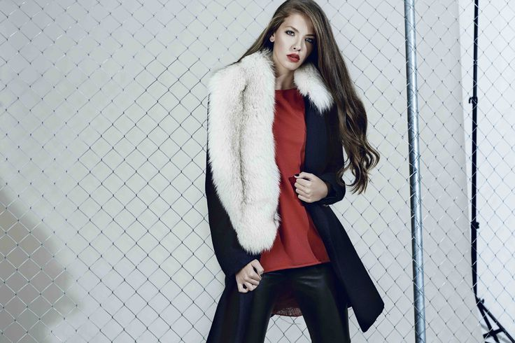 Navy wool coat with fur collar from our Fall/Winter 2015 collection: http://manuri.ro/product/manuri-frances-coat/