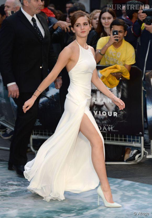 Avec sa robe ultra fendue dévoilant ses jambes interminables, Emma Watson ne laisse personne indifférent.