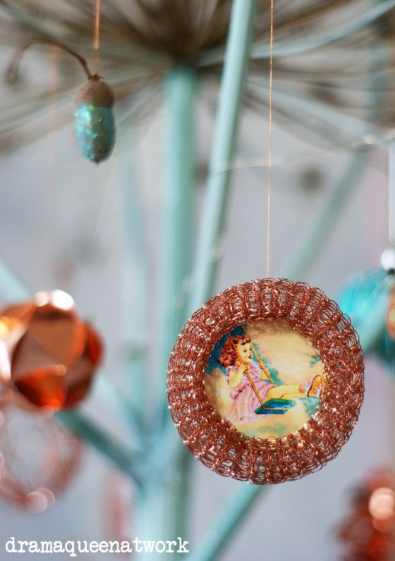 copper ornaments from scourers Kupfer - Anhänger aus Topfkratzlingen