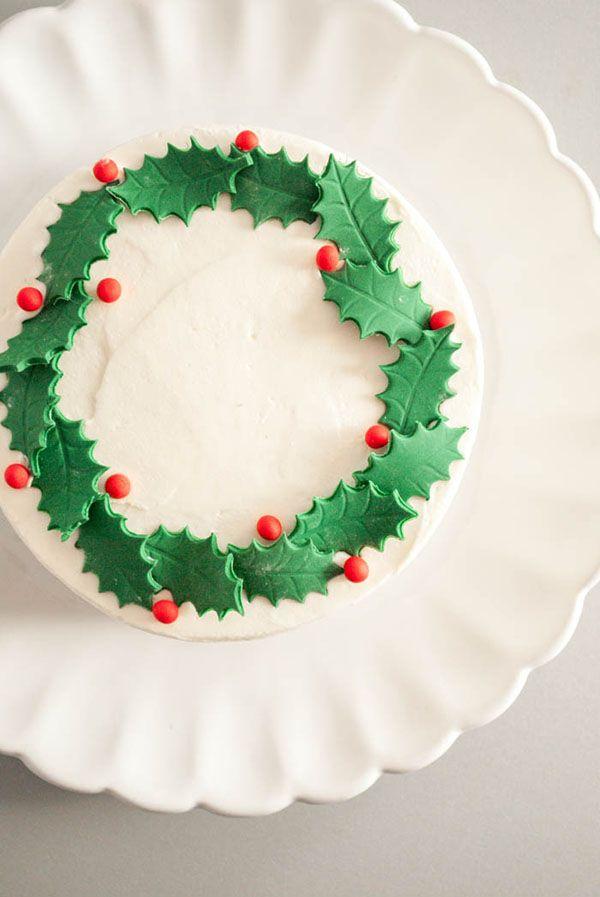 decoración-de-acebo-de-fondant-para-tartas