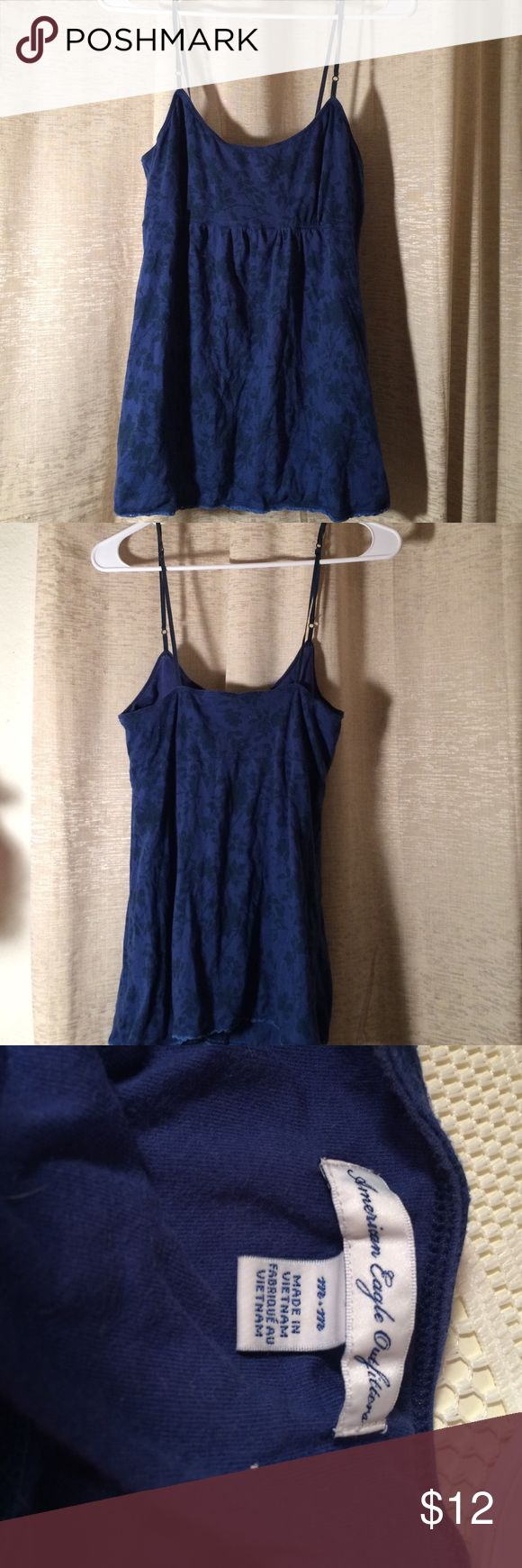 American Eagle Blue Scoop Neck Spaghetti Top M Perfect condition just missing size tag and has light bra lining and adjustable straps. American Eagle Outfitters Tops Camisoles