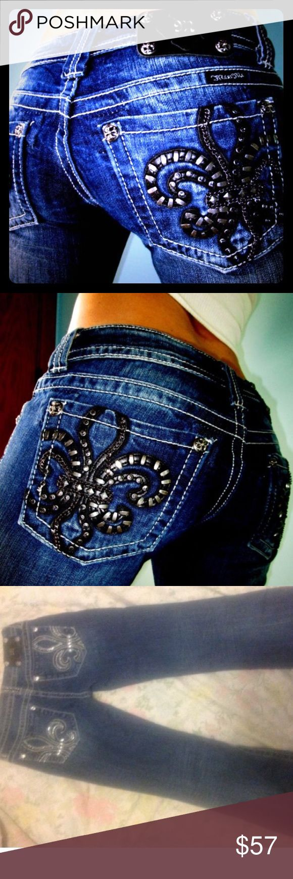 💋 NEW SUPER HOT MISS ME BLING BOOTY JEANS SIZE 28 💋 NEW SUPER HOT MISS ME BLING BOOTY JEANS SIZE 28. Makes the rear end look awesome! You will love them! NWOT Miss Me Jeans Boot Cut